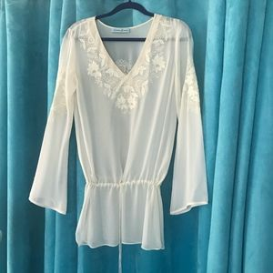 Guess by Marciano White Chiffon embroidered blouse